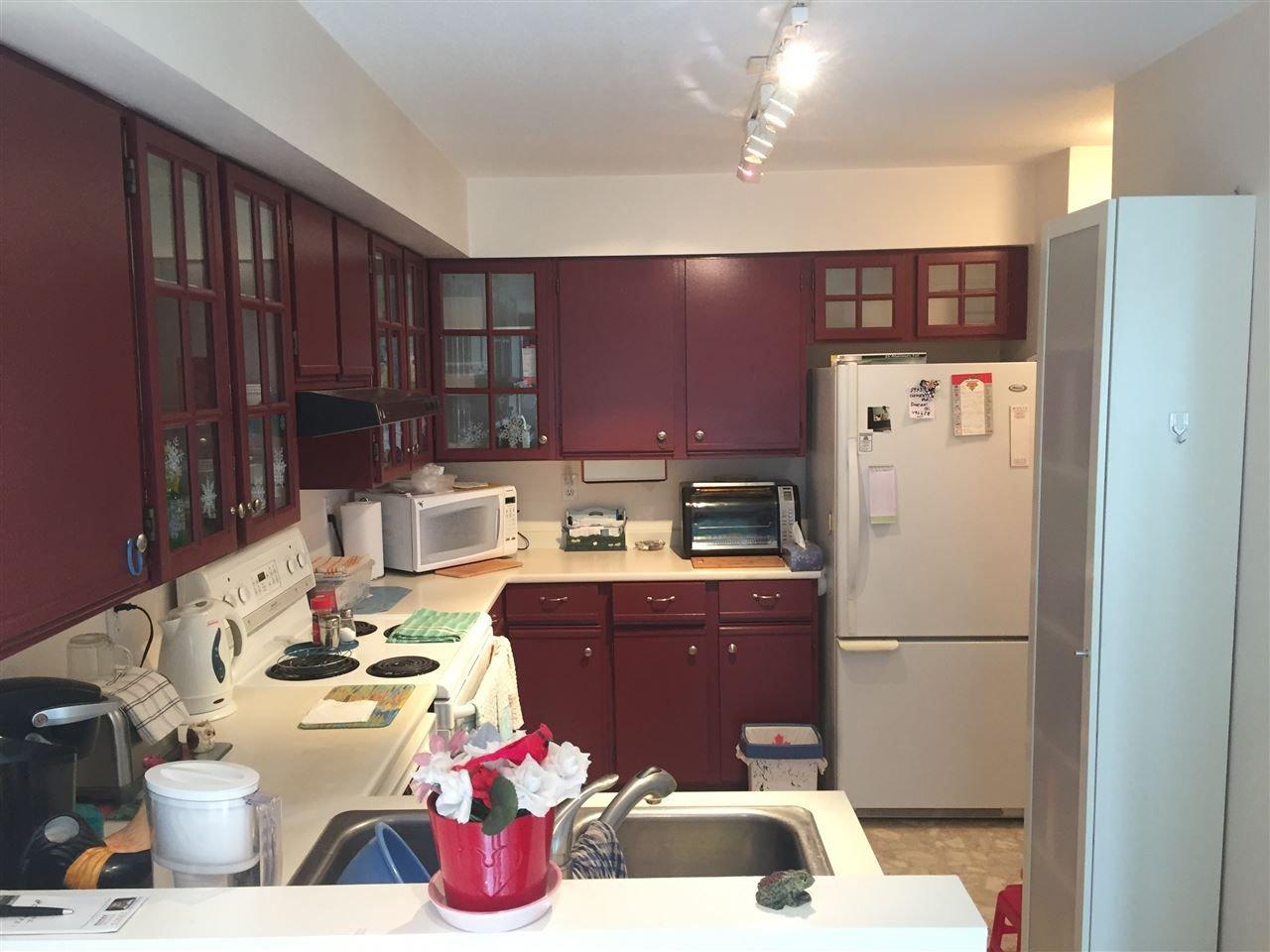Photo 3: Photos: 219 4889 53 STREET in Delta: Hawthorne Condo for sale (Ladner)  : MLS®# R2243901