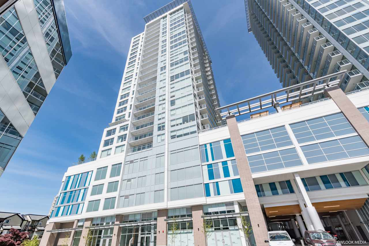 Main Photo: 2509 988 QUAYSIDE Drive in New Westminster: Quay Condo for sale : MLS®# R2444956