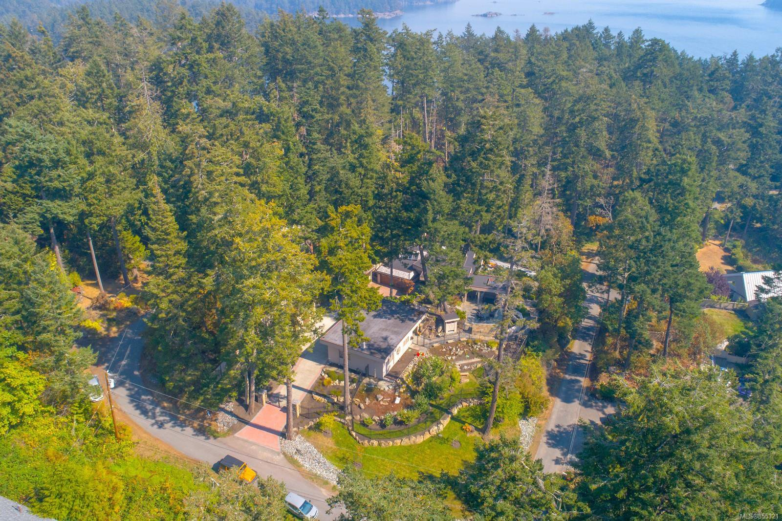 Main Photo: 10849 Fernie Wynd Rd in : NS Curteis Point Single Family Detached for sale (North Saanich)  : MLS®# 855321