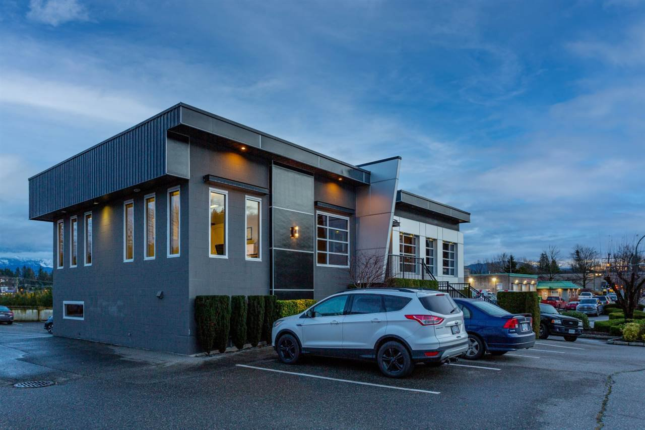 Main Photo: 101 2020 ABBOTSFORD Way in Abbotsford: Central Abbotsford Office for lease : MLS®# C8035895