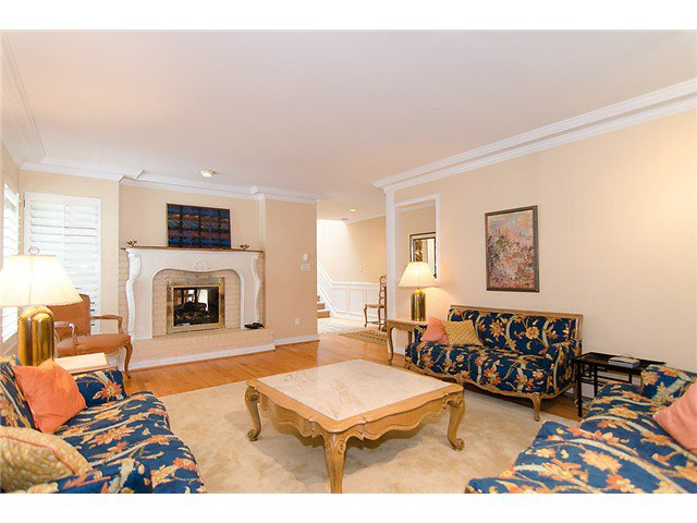 Photo 2: Photos: 2014 W 13TH Avenue in Vancouver: Kitsilano House 1/2 Duplex for sale (Vancouver West)  : MLS®# V968652