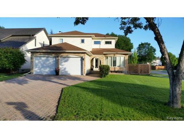 Main Photo: 55 Middlehurst Crescent in WINNIPEG: North Kildonan Residential for sale (North East Winnipeg)  : MLS®# 1417879