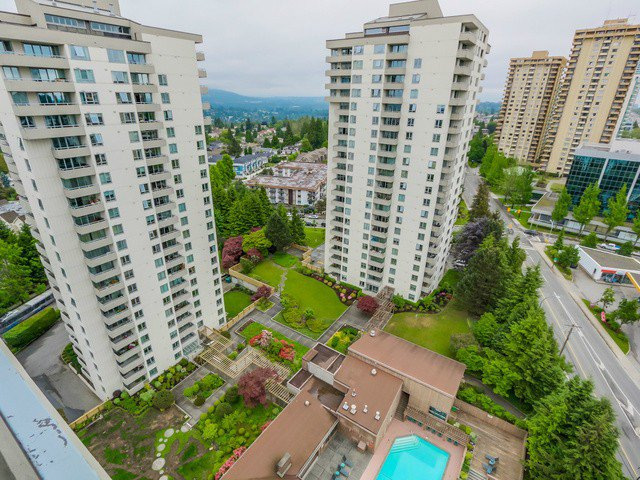 Main Photo: # 2003 5652 PATTERSON AV in Burnaby: Central Park BS Condo for sale (Burnaby South)  : MLS®# V1124398