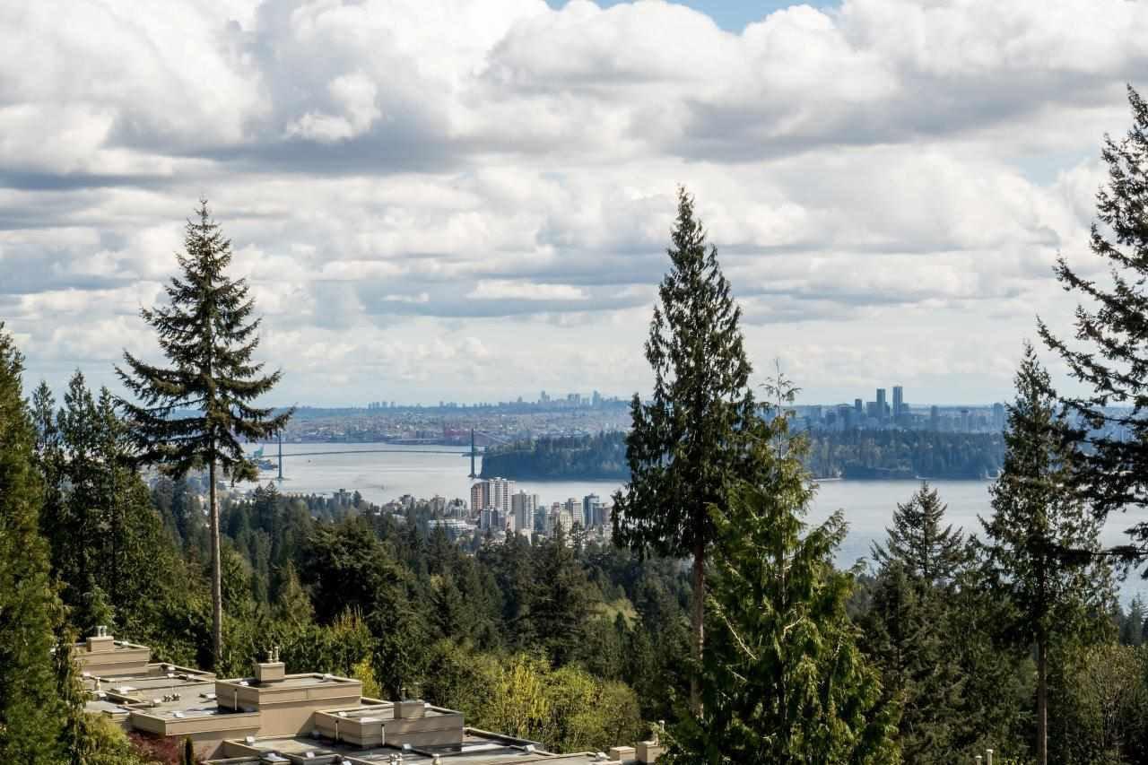 Photo 2: Photos: 702 3105 DEER RIDGE DRIVE in West Vancouver: Deer Ridge WV Condo for sale : MLS®# R2053638