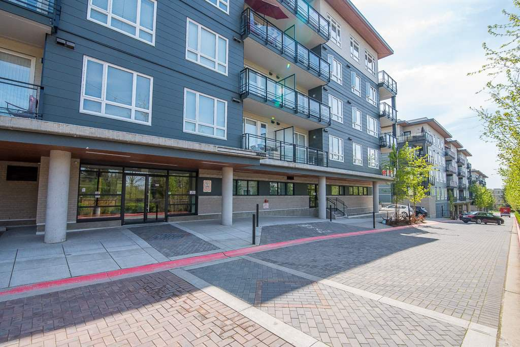 Main Photo: 303 13919 FRASER HIGHWAY in Surrey: Whalley Condo for sale (North Surrey)  : MLS®# R2264354