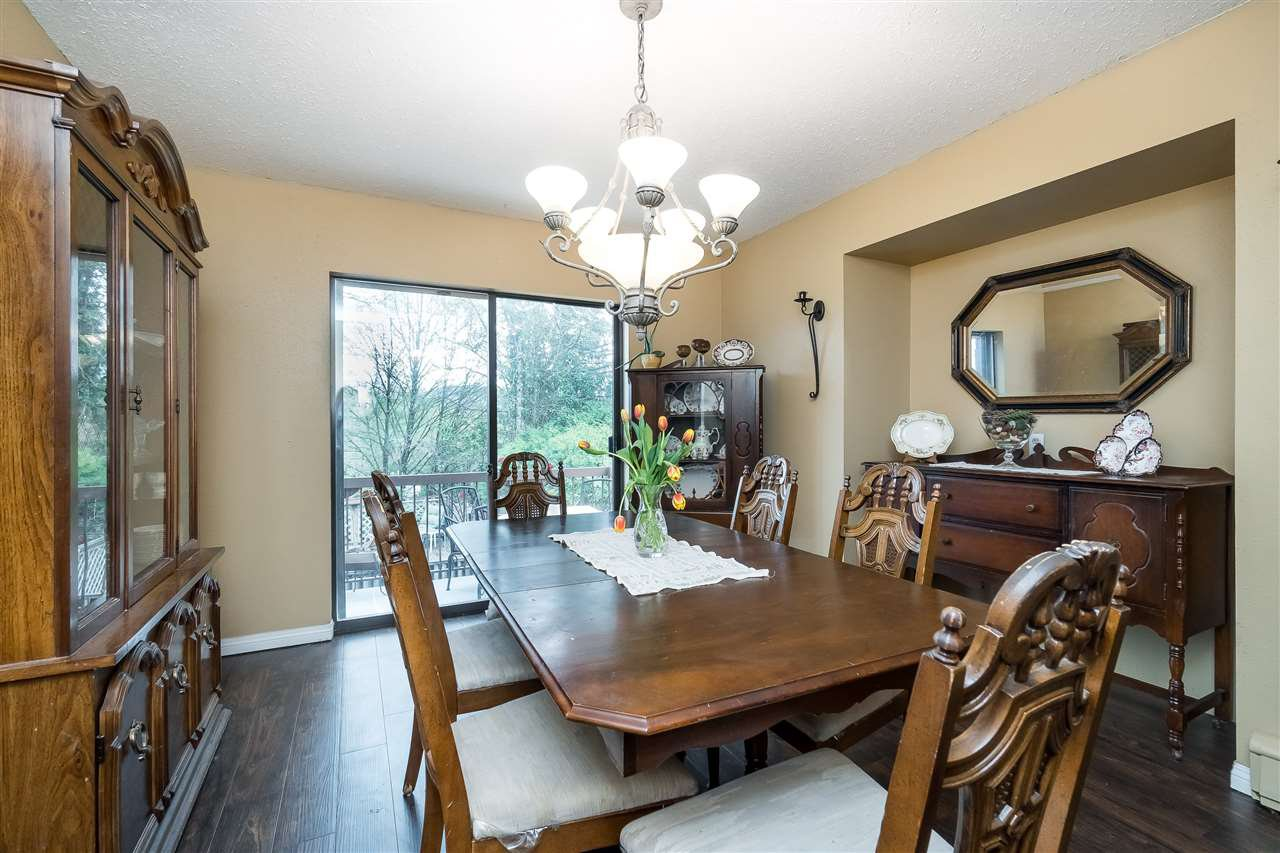 "Photo 11: Photos: 3102 BABICH Street in Abbotsford: Central Abbotsford House for sale in ""Terry Fox"" : MLS®# R2395228"