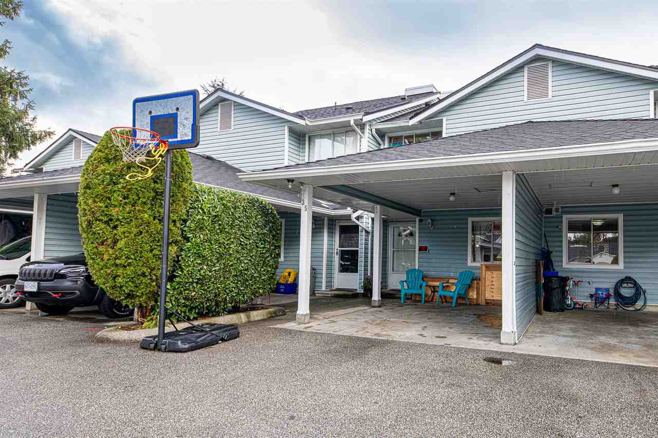 "Main Photo: 35 22411 124 Avenue in Maple Ridge: East Central Townhouse for sale in ""Creekside Village"" : MLS®# R2404347"