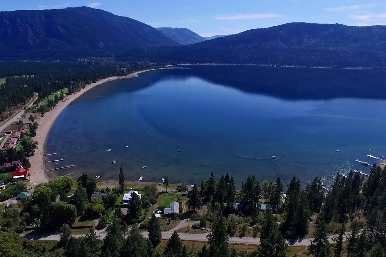 Photo 4: Photos: 1457 Little Shuswap Lake Road in Chase: Little Shuswap Lake House for sale : MLS®# 10191524