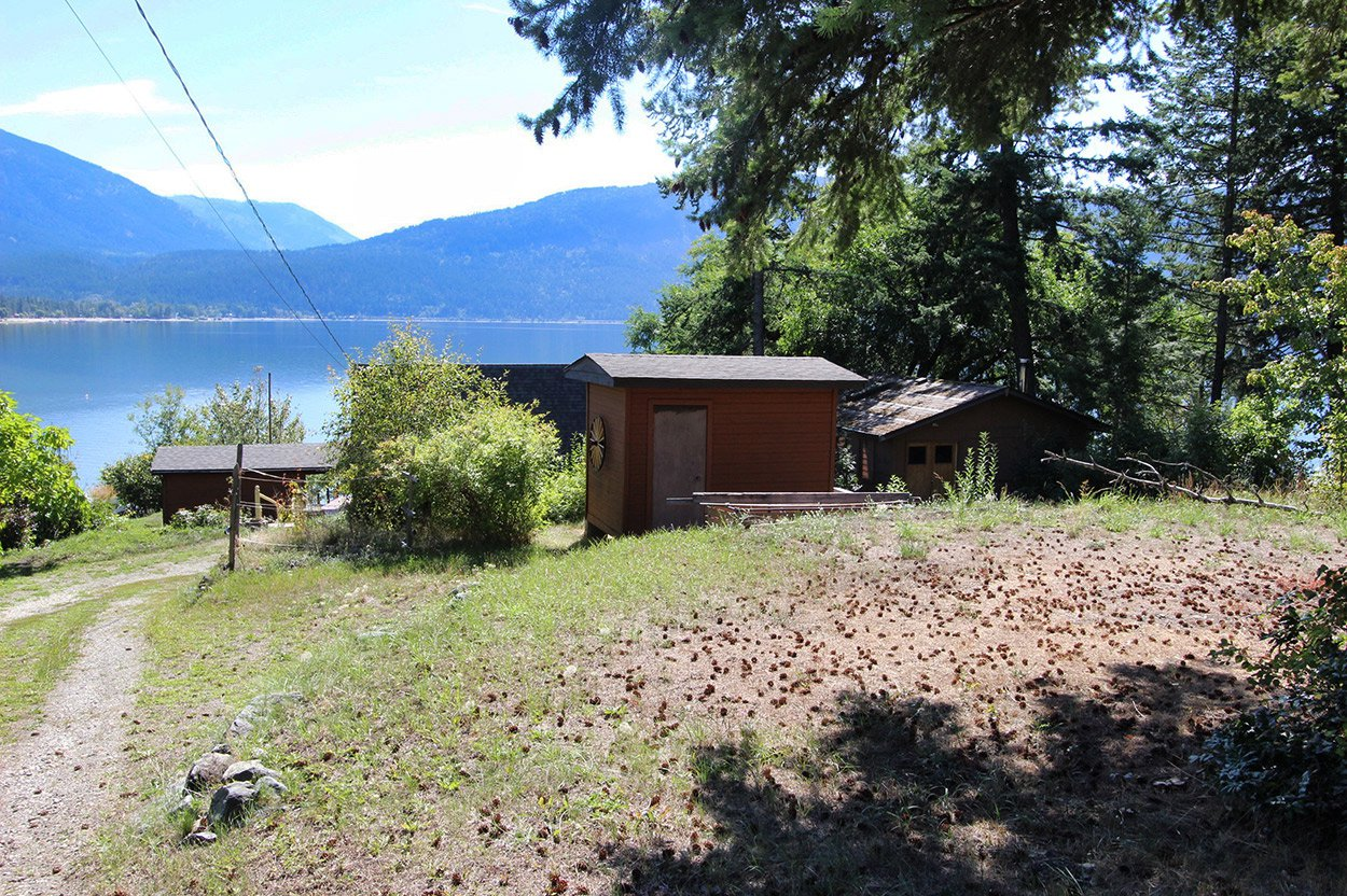 Photo 7: Photos: 1457 Little Shuswap Lake Road in Chase: Little Shuswap Lake House for sale : MLS®# 10191524