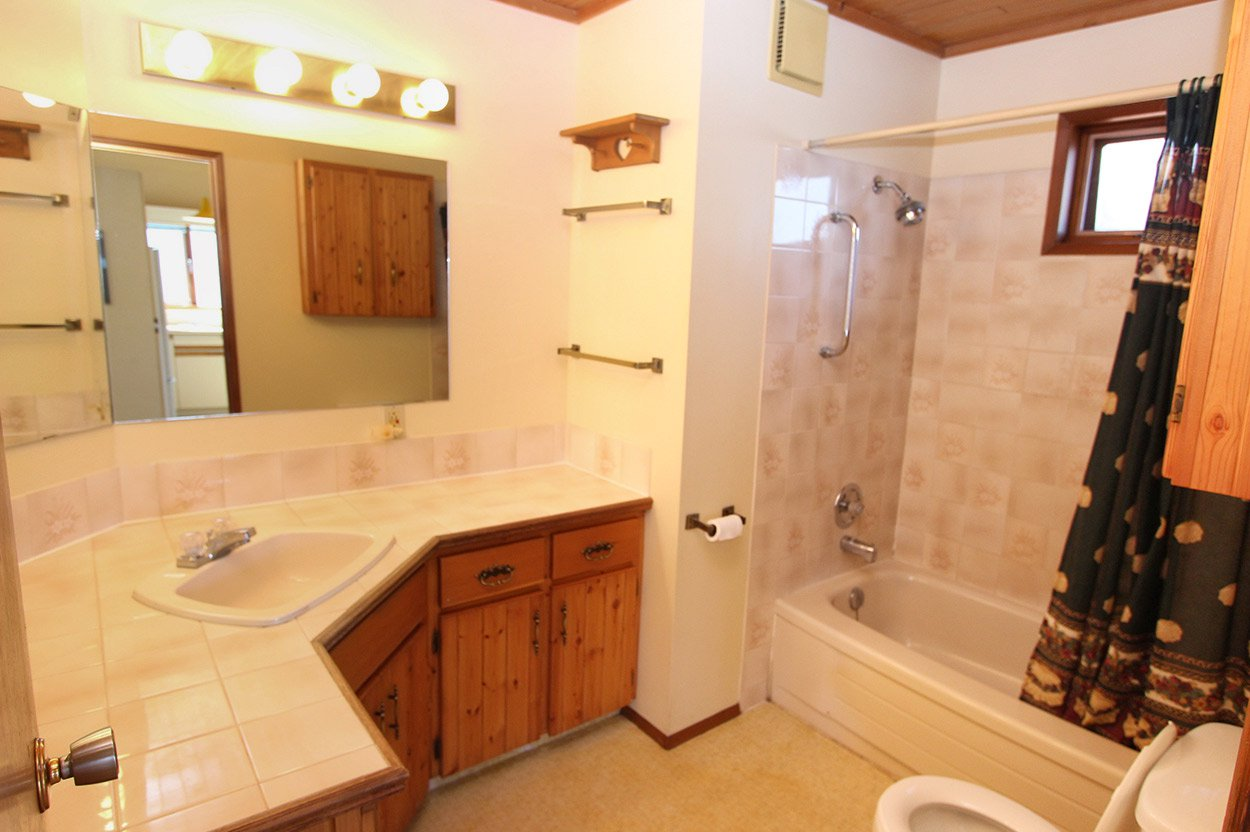 Photo 24: Photos: 1457 Little Shuswap Lake Road in Chase: Little Shuswap Lake House for sale : MLS®# 10191524