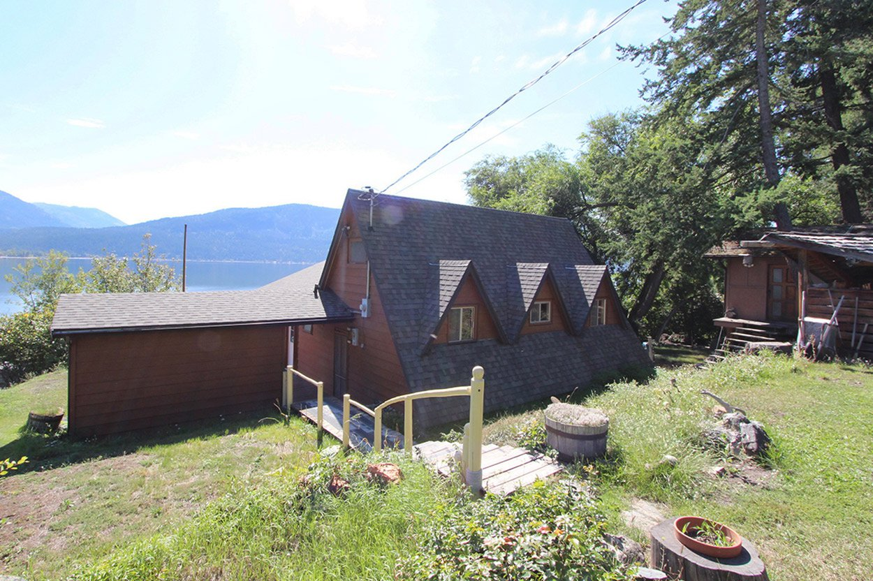 Photo 16: Photos: 1457 Little Shuswap Lake Road in Chase: Little Shuswap Lake House for sale : MLS®# 10191524