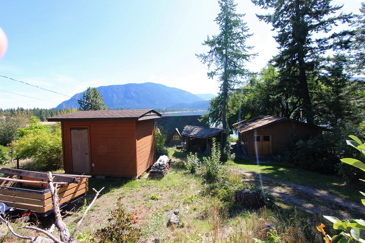 Photo 8: Photos: 1457 Little Shuswap Lake Road in Chase: Little Shuswap Lake House for sale : MLS®# 10191524