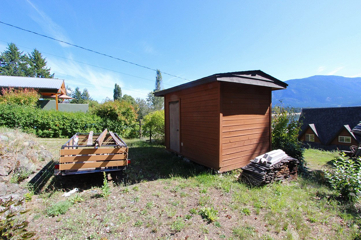 Photo 9: Photos: 1457 Little Shuswap Lake Road in Chase: Little Shuswap Lake House for sale : MLS®# 10191524