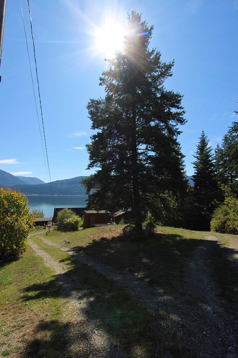 Photo 6: Photos: 1457 Little Shuswap Lake Road in Chase: Little Shuswap Lake House for sale : MLS®# 10191524