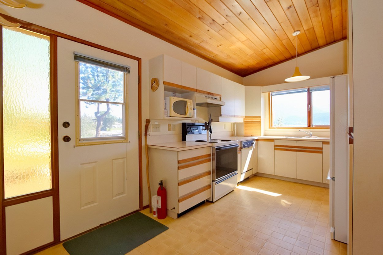 Photo 23: Photos: 1457 Little Shuswap Lake Road in Chase: Little Shuswap Lake House for sale : MLS®# 10191524