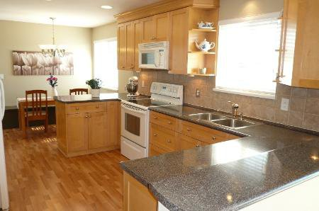 Photo 5: Photos: Family Home With Mortgage Helper - To View Marketing Brochure Go To 'Additional Information'
