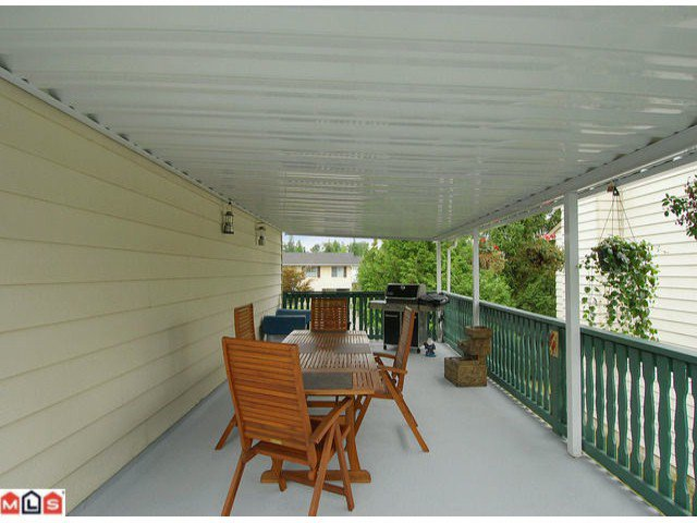 "Photo 9: Photos: 6302 CHARBRAY Place in Surrey: Cloverdale BC House for sale in ""Greenaway"" (Cloverdale)  : MLS®# F1221218"