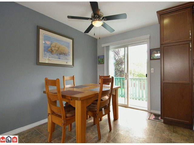 "Photo 3: Photos: 6302 CHARBRAY Place in Surrey: Cloverdale BC House for sale in ""Greenaway"" (Cloverdale)  : MLS®# F1221218"