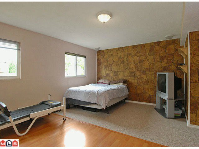 "Photo 8: Photos: 6302 CHARBRAY Place in Surrey: Cloverdale BC House for sale in ""Greenaway"" (Cloverdale)  : MLS®# F1221218"