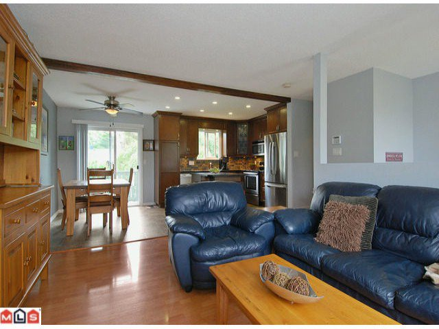 "Photo 5: Photos: 6302 CHARBRAY Place in Surrey: Cloverdale BC House for sale in ""Greenaway"" (Cloverdale)  : MLS®# F1221218"