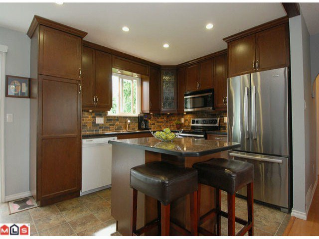 "Photo 2: Photos: 6302 CHARBRAY Place in Surrey: Cloverdale BC House for sale in ""Greenaway"" (Cloverdale)  : MLS®# F1221218"