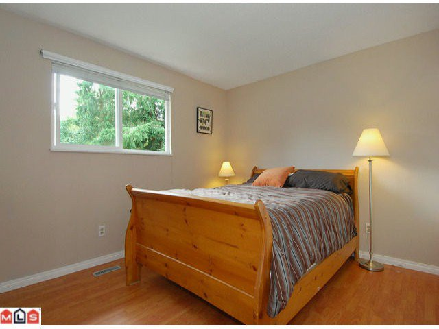 "Photo 6: Photos: 6302 CHARBRAY Place in Surrey: Cloverdale BC House for sale in ""Greenaway"" (Cloverdale)  : MLS®# F1221218"