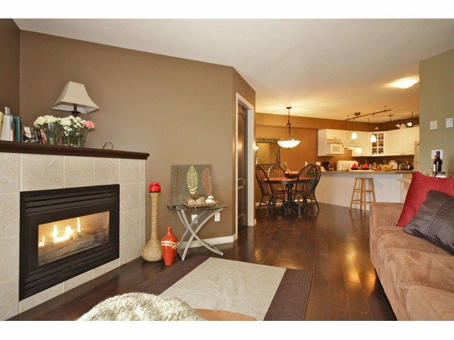 "Main Photo: 202 20896 57TH Avenue in Langley: Langley City Condo for sale in ""Bayberry Lane"" : MLS®# F1308924"