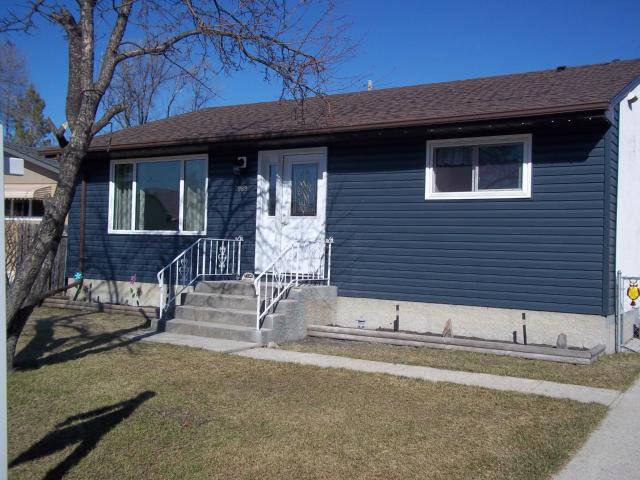 Main Photo: 989 Herbert Avenue in WINNIPEG: East Kildonan Residential for sale (North East Winnipeg)  : MLS®# 1308127