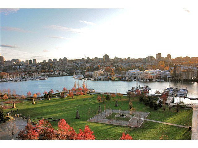 """Main Photo: 503 583 BEACH Crescent in Vancouver: Yaletown Condo for sale in """"TWO PARK WEST"""" (Vancouver West)  : MLS®# V1012164"""