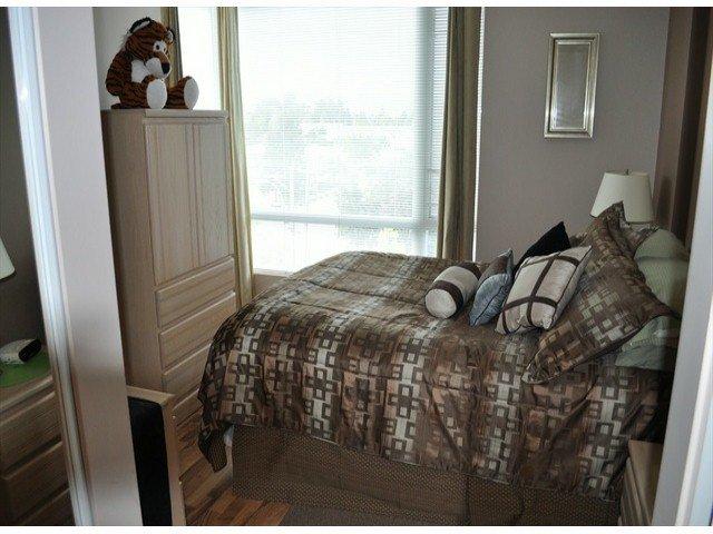 """Photo 7: Photos: 605 14820 104 Avenue in Surrey: Guildford Condo for sale in """"CAMELOT"""" (North Surrey)  : MLS®# F1321062"""