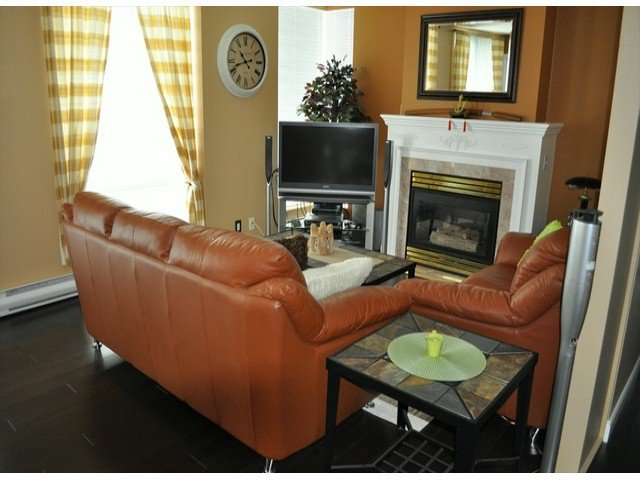 """Photo 3: Photos: 605 14820 104 Avenue in Surrey: Guildford Condo for sale in """"CAMELOT"""" (North Surrey)  : MLS®# F1321062"""