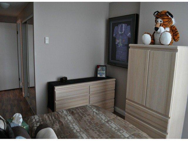 """Photo 9: Photos: 605 14820 104 Avenue in Surrey: Guildford Condo for sale in """"CAMELOT"""" (North Surrey)  : MLS®# F1321062"""
