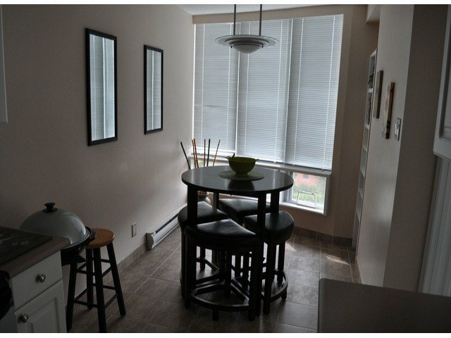 """Photo 6: Photos: 605 14820 104 Avenue in Surrey: Guildford Condo for sale in """"CAMELOT"""" (North Surrey)  : MLS®# F1321062"""