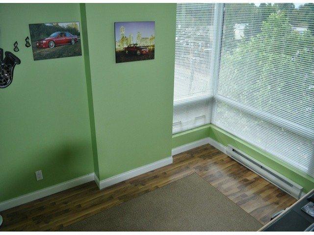 """Photo 14: Photos: 605 14820 104 Avenue in Surrey: Guildford Condo for sale in """"CAMELOT"""" (North Surrey)  : MLS®# F1321062"""