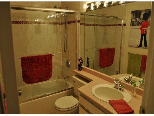 """Photo 12: Photos: 605 14820 104 Avenue in Surrey: Guildford Condo for sale in """"CAMELOT"""" (North Surrey)  : MLS®# F1321062"""