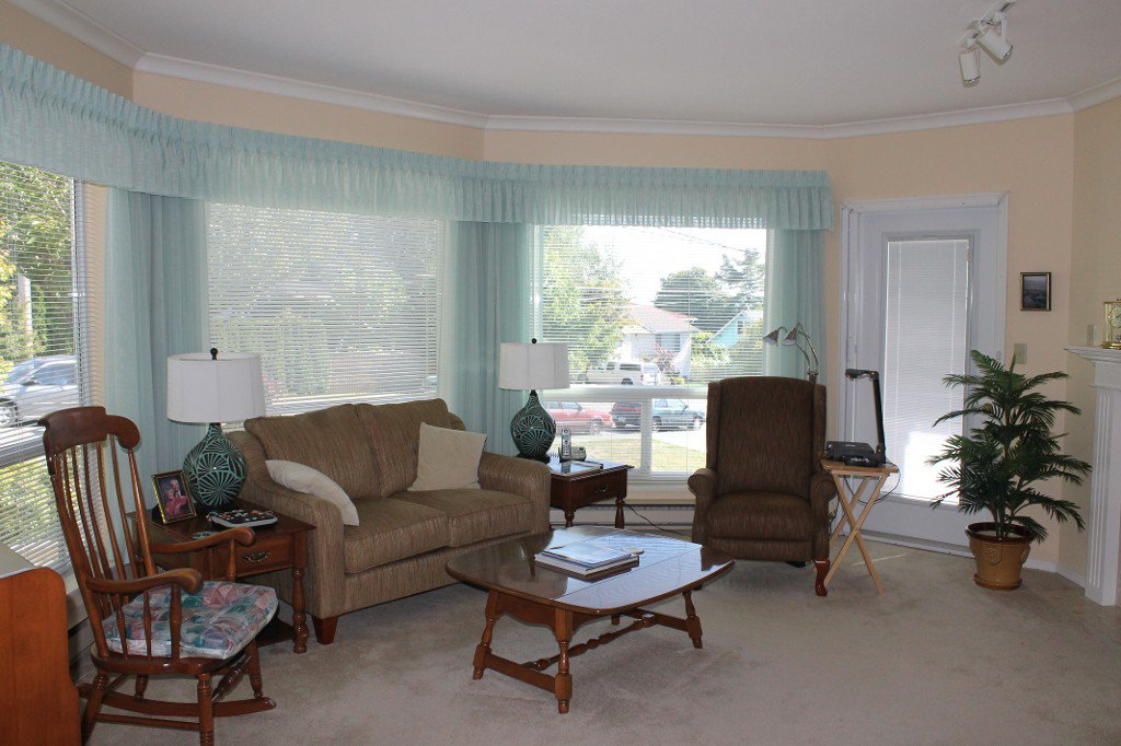 "Photo 2: Photos: # 201 1255 BEST ST: White Rock Condo for sale in ""The Ambassador"" (South Surrey White Rock)  : MLS®# F1322048"