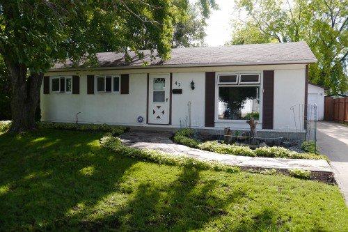 Main Photo: 42 Laval Drive in Winnipeg: Fort Richmond Single Family Detached for sale (South Winnipeg)  : MLS®# 1421720