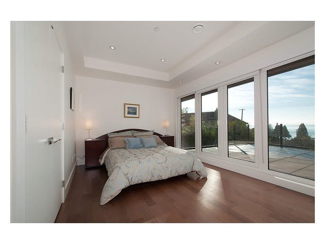 Photo 5: Photos: 2659 Marine Drive in West Vancouver: Dundarave House for rent