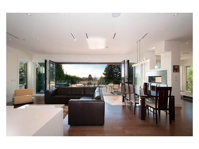 Photo 9: Photos: 2659 Marine Drive in West Vancouver: Dundarave House for rent