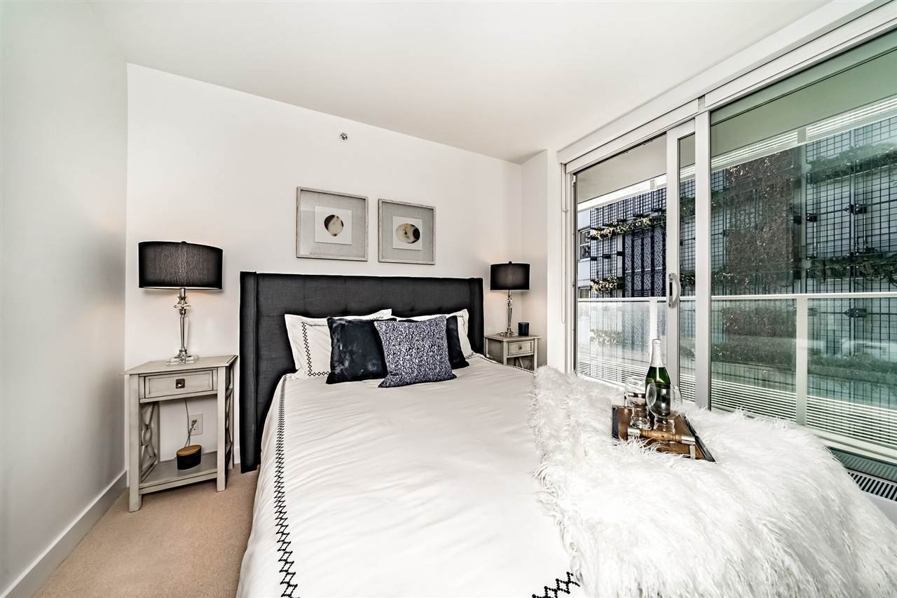 Photo 15: Photos: 1101 777 RICHARDS STREET in Vancouver: Downtown VW Condo for sale (Vancouver West)  : MLS®# R2330853
