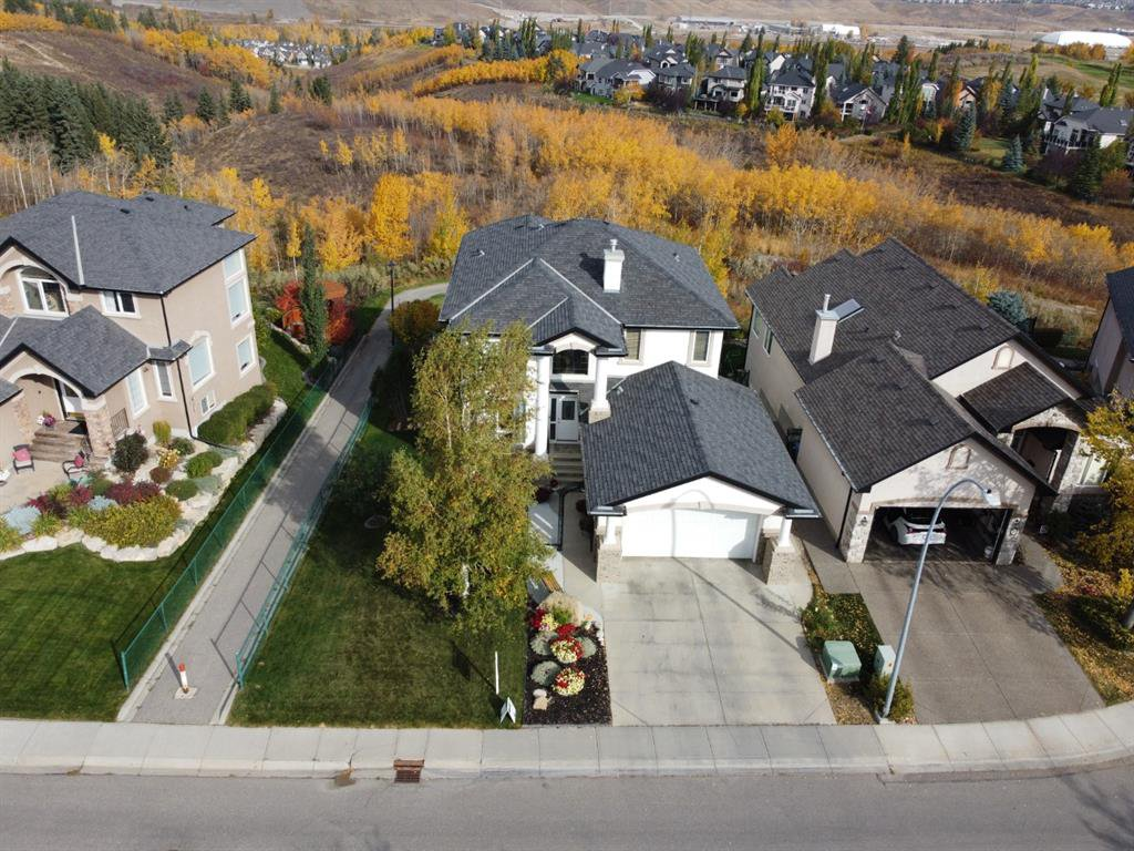 Main Photo: 60 Valley Creek Crescent NW in Calgary: Valley Ridge Detached for sale : MLS®# A1039748