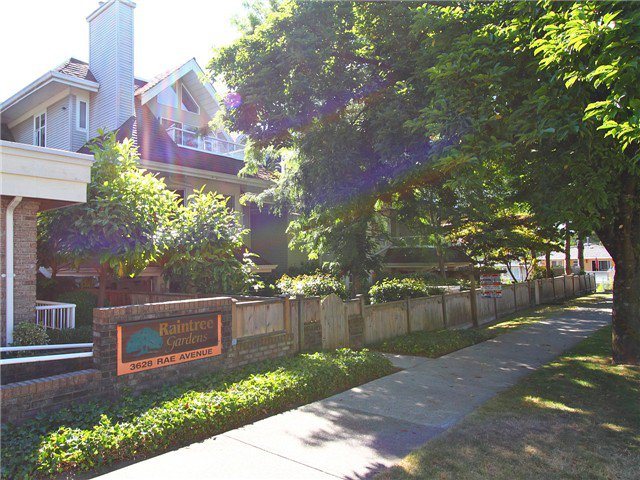 Main Photo: 402-3628 Rae Ave in Vancouver: Collingwood VE Condo for sale (Vancouver East)  : MLS®# v1019109