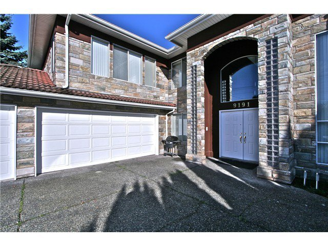 Main Photo: 9191 WILLIAMS RD in RICHMOND: Saunders House for sale (Richmond)  : MLS®# V1034408