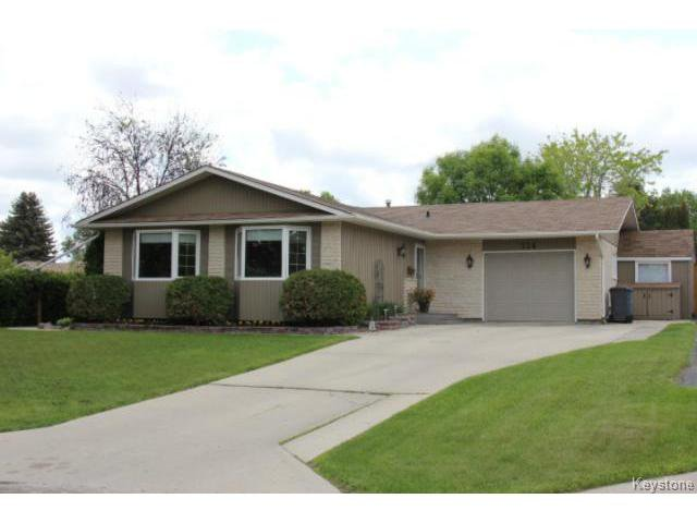 Main Photo: 134 Sunny Hills Road in WINNIPEG: North Kildonan Residential for sale (North East Winnipeg)  : MLS®# 1414226