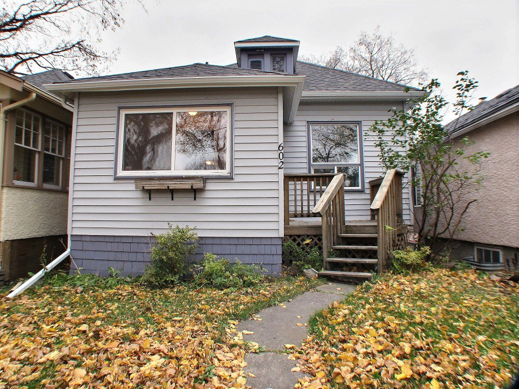 Main Photo: 602 Rosedale Avenue in Winnipeg: Lord Roberts Residential for sale (Winnipeg area)  : MLS®# 1528097