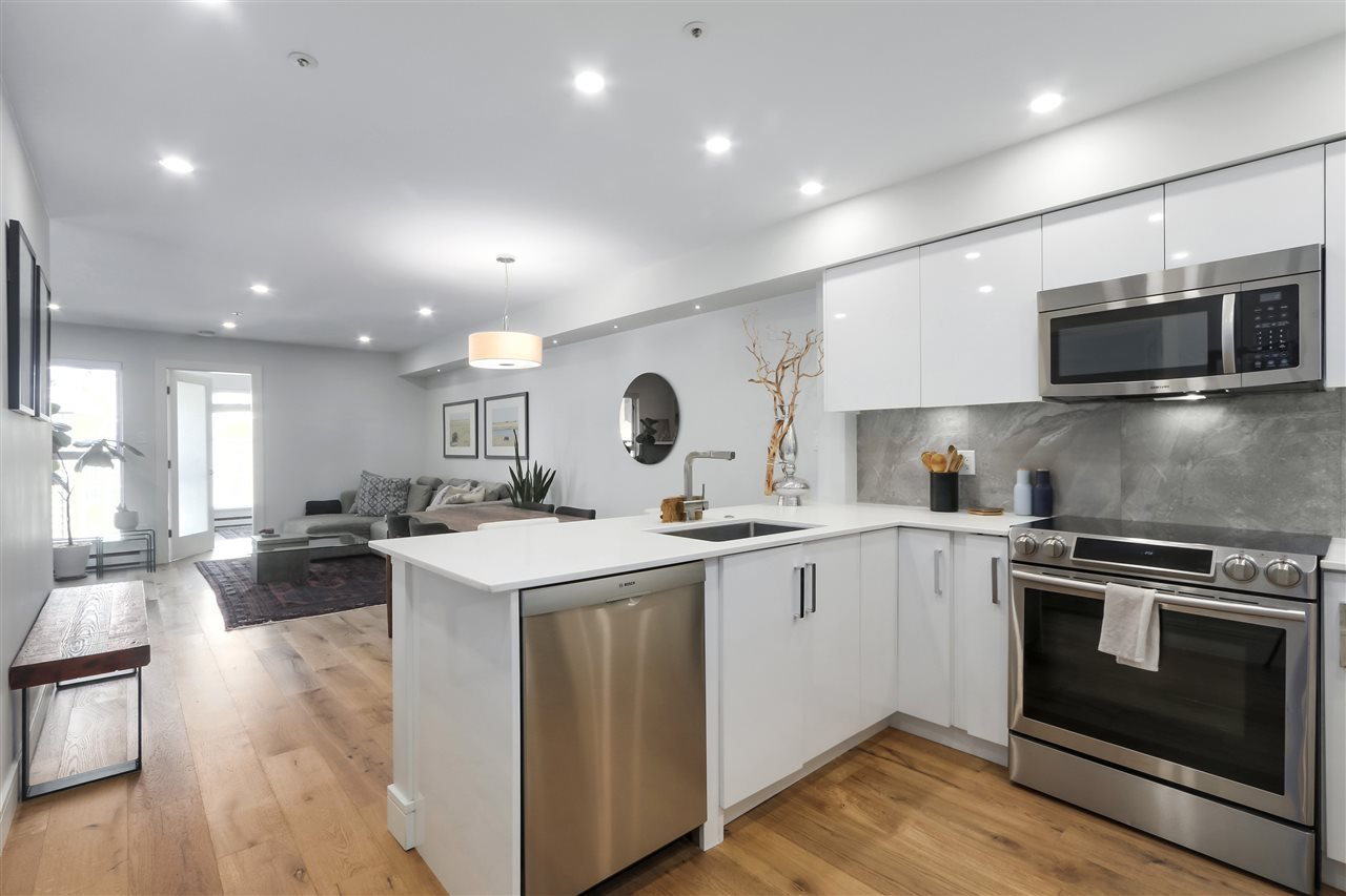 """Main Photo: 302 3480 MAIN Street in Vancouver: Main Condo for sale in """"NEWPORT"""" (Vancouver East)  : MLS®# R2410241"""