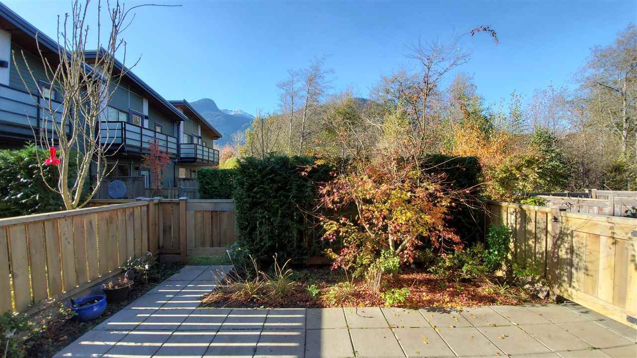 """Main Photo: 38359 SUMMIT'S VIEW Drive in Squamish: Downtown SQ Townhouse for sale in """"Eaglewind Natures Gate"""" : MLS®# R2417115"""