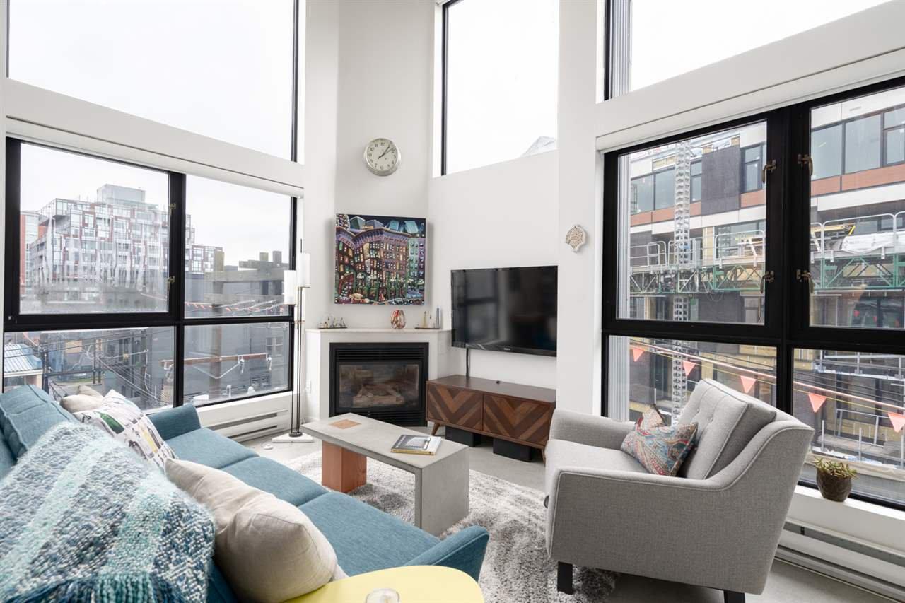 "Main Photo: 404 234 E 5TH Avenue in Vancouver: Mount Pleasant VE Condo for sale in ""Granite Block"" (Vancouver East)  : MLS®# R2435682"