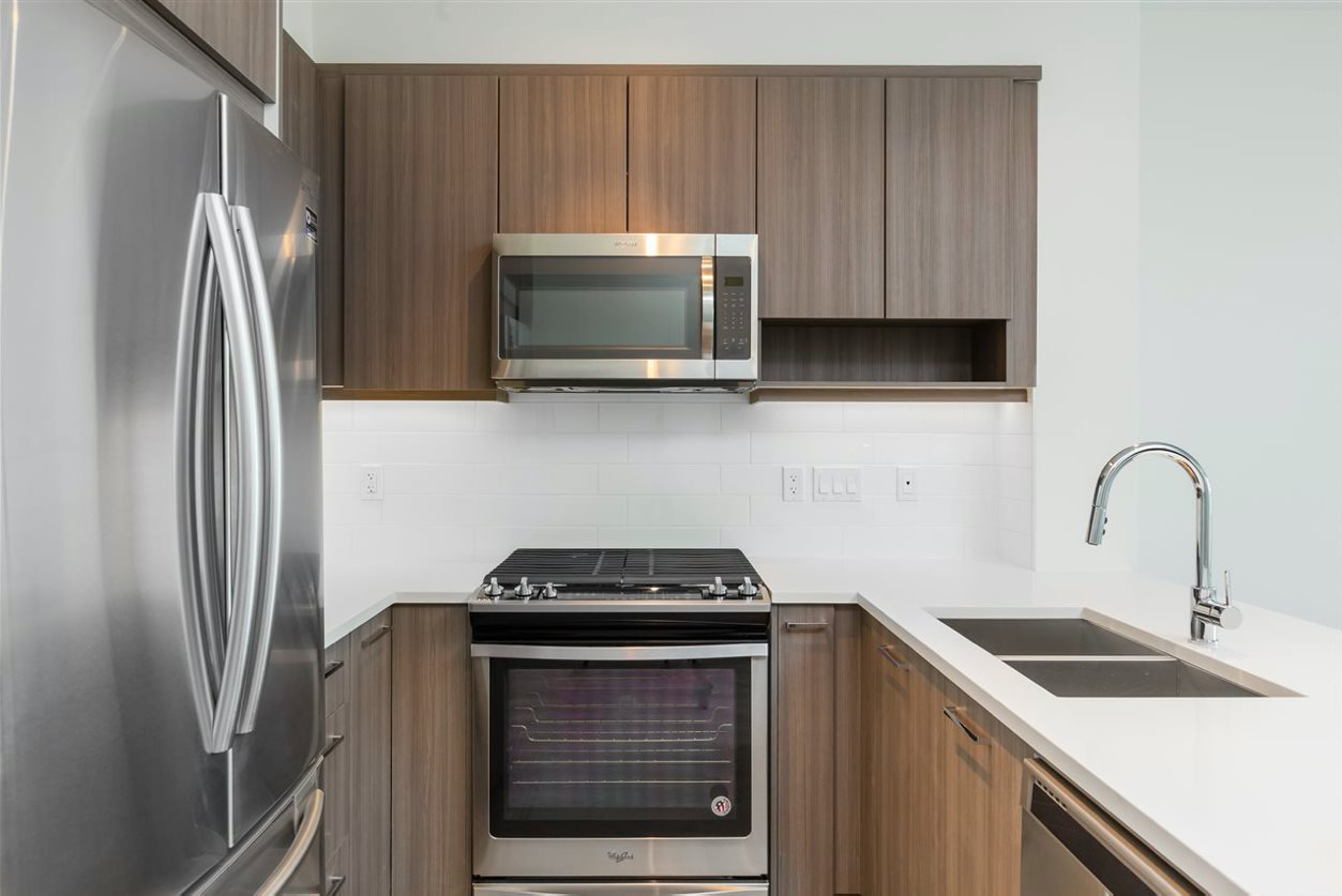 """Main Photo: 203 1306 FIFTH Avenue in New Westminster: Uptown NW Condo for sale in """"WESTBOURNE"""" : MLS®# R2479419"""