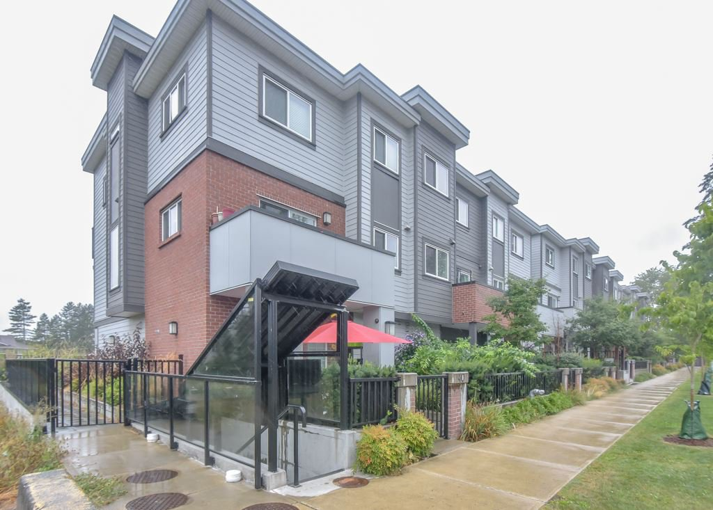 Main Photo: 9 7247 140 Street in Surrey: East Newton Townhouse for sale : MLS®# R2484787